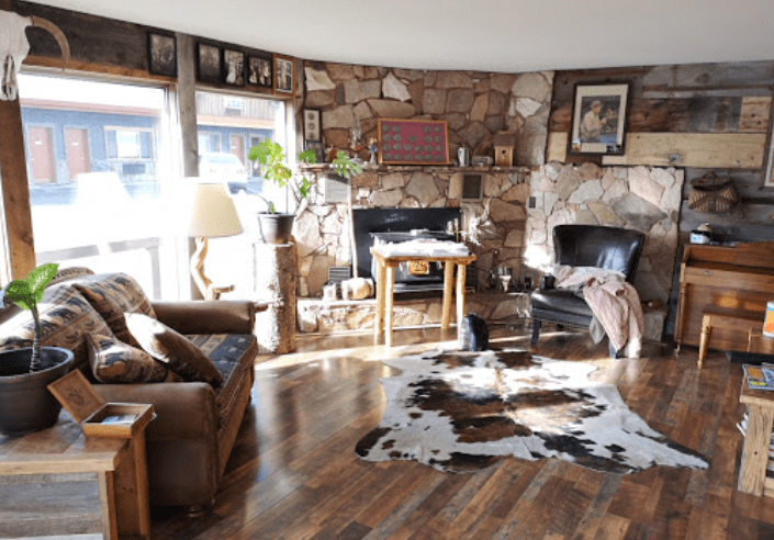One of the best budget hotels in Yellowstone