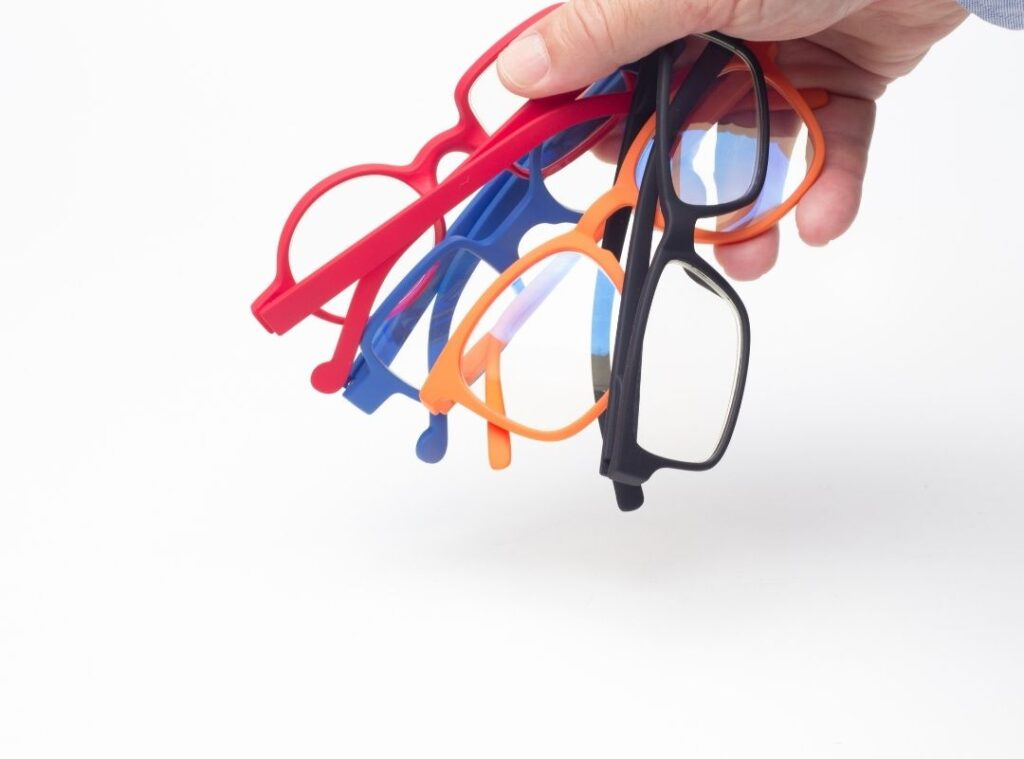 picture of glasses, a common items left behind in hotel rooms